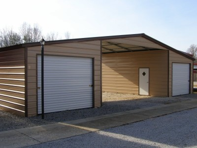 Seneca Barn | Vertical Roof | 44W x 26L x 11H |  Continuous Roof